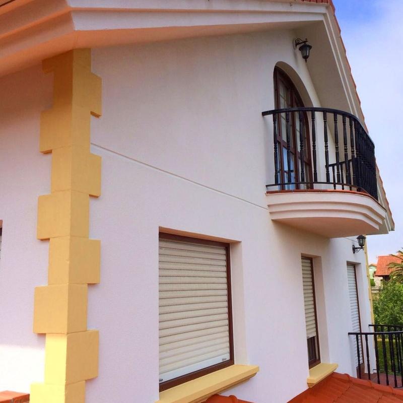 Aislamiento de fachadas con revestimiento de corcho en Santander.