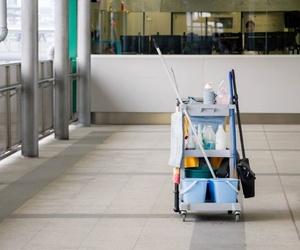 Maquinaria de limpieza industrial en Vizcaya