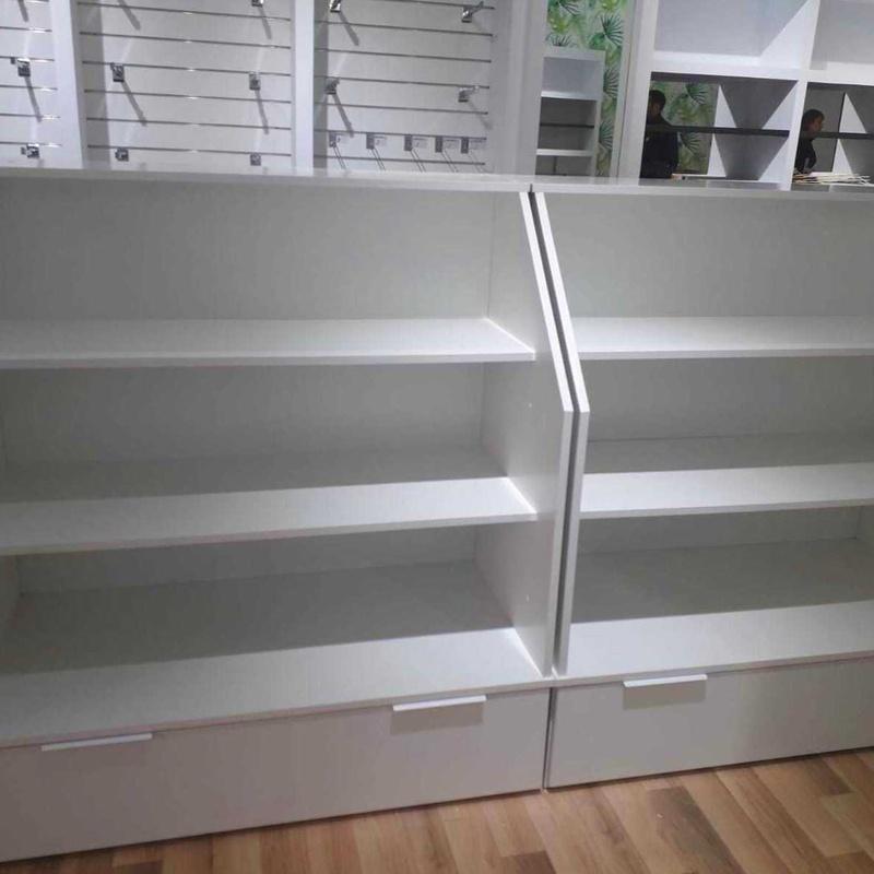 Góndolas de madera: Productos de EQUIPAMIENTO COMERCIAL RLB