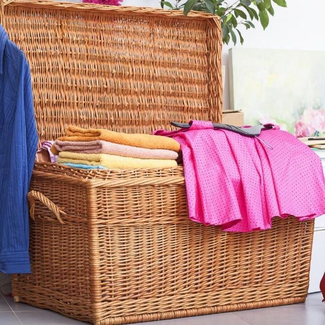 Cambio de temporada: ¿hay que limpiar las prendas antes o después?