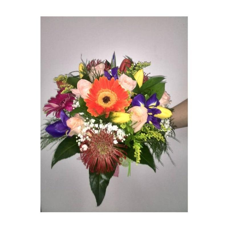 Ramo de flor variada 3: Catálogo de FLORISTERÍA JOMACO  Tanatorio As Burgas