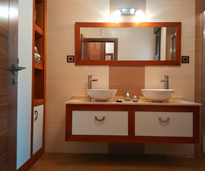 Conjunto mueble de baño y armario a medida
