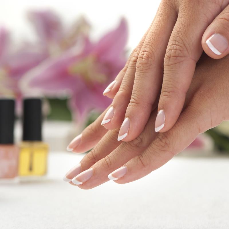 Manicura y pedicura: Servicios de Centro de Belleza Marlett