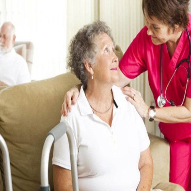 Las aptitudes que necesitamos los profesionales que trabajamos para nuestros mayores
