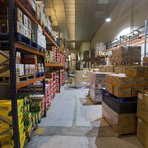 Almacén de importación de productos