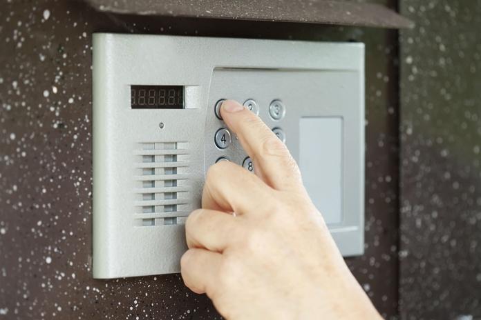 Porteros automáticos, videoporteros y controles de acceso: Servicios de Electrònica Serret