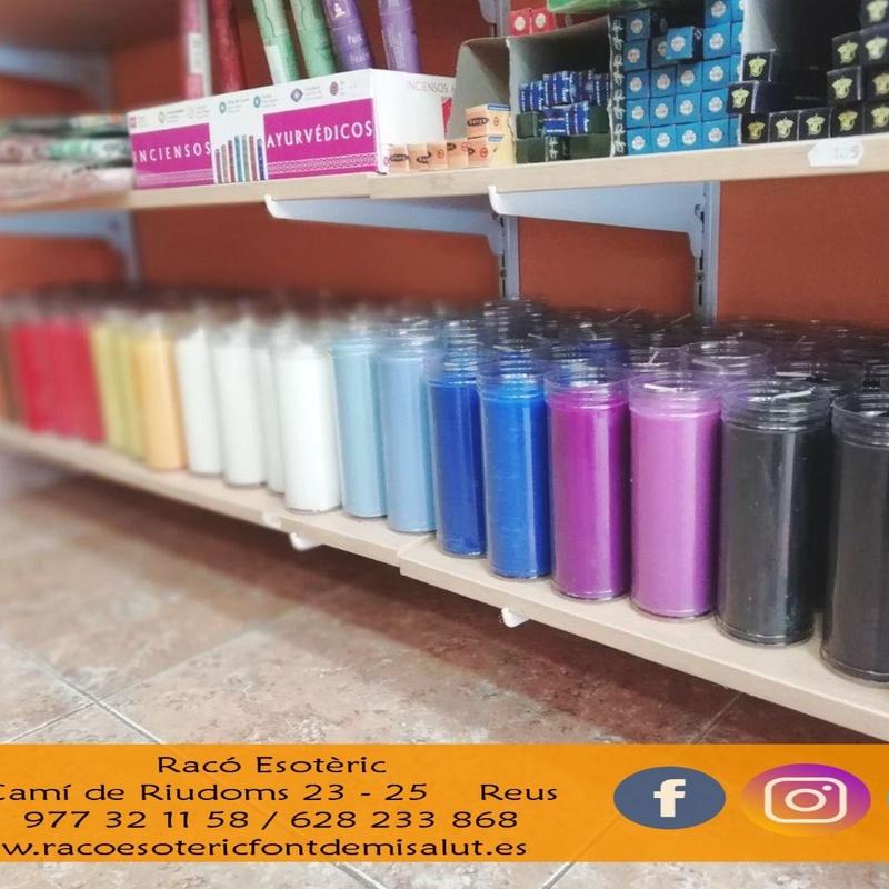 Velones de colores: Cursos y productos de Racó Esoteric Font de mi Salut