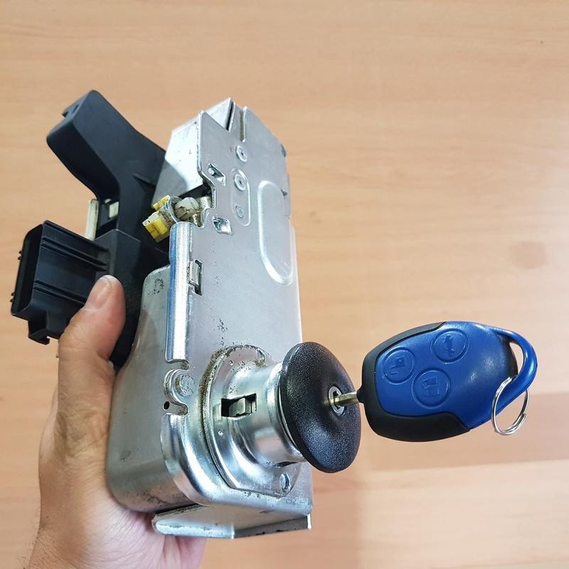 Venta de cerraduras y bombines: Servicios de Llaves Luque
