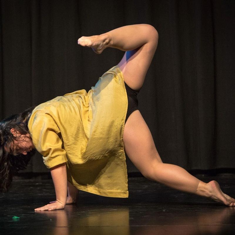 Danza Contemporánea iniciacíón y perfeccionamiento