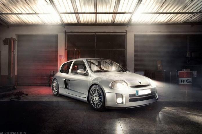 Clio V6 Launch Control