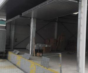 Puerta basculante preleva de contrapesos industriales