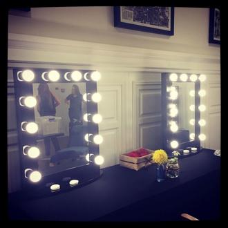 Alquiler de espejos de maquillaje en Madrid