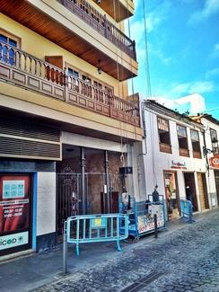 Equipo elevación para restauración de balcones. Calle San Agustín. Icod de los Vinos.