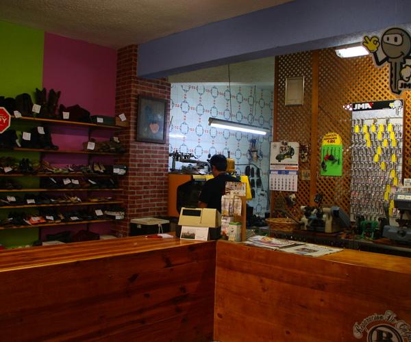 Reparación de calzado en Madrid | Reparación De Calzado Blanco