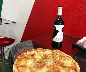 La Alpina acompañada de un excelente vino italiano