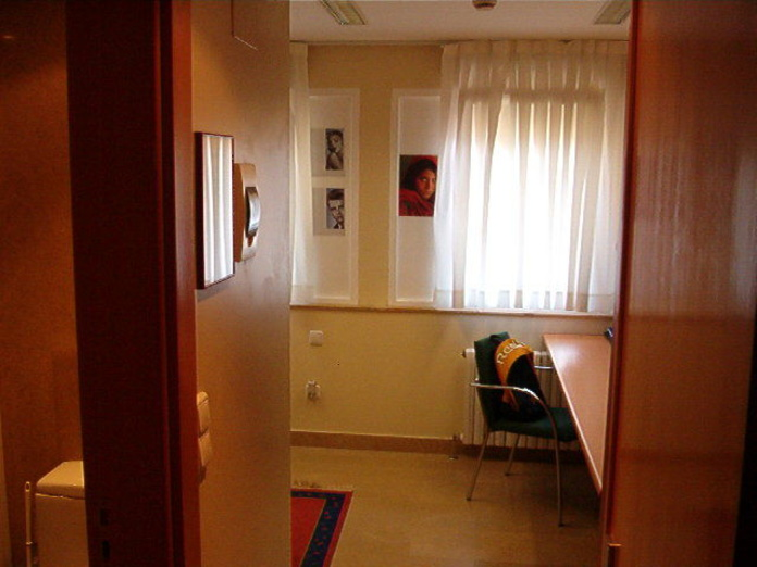 HABITACIONES INDIVIDUALES: Alojamiento Universitario de Colegio Mayor Deusto