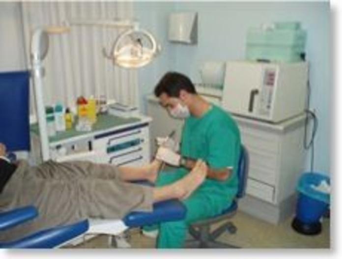 TRATAMIENTOS DE PODOLOGIA: Servicios de Axis Clínica De Fisioterapia