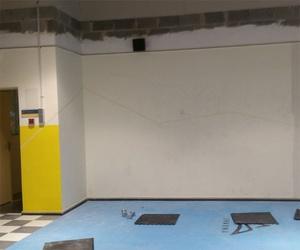 Proceso de pintura de gimnasio