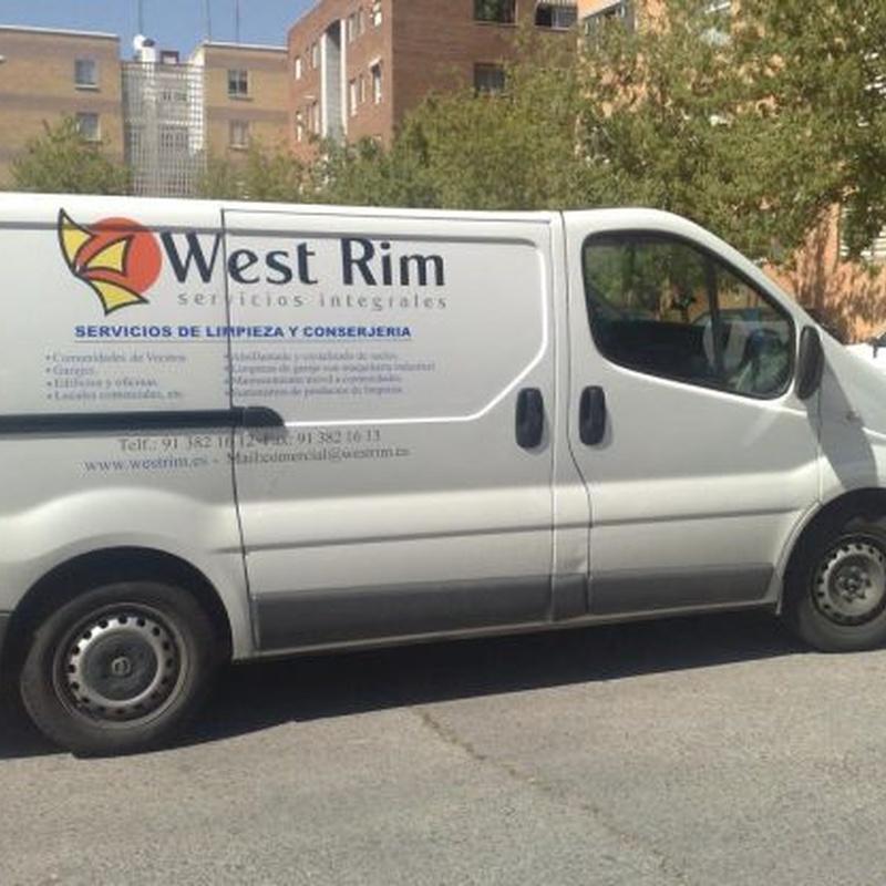 Mantenimiento móvil a comunidades: Servicios de West Rim Servicios Integrales, S.L.