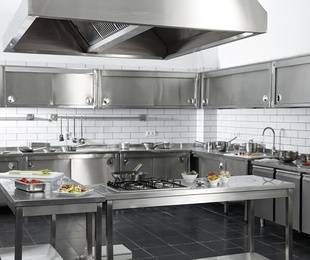 Cocinas modernas y funcionales con acero inoxidable