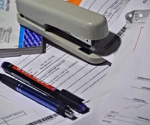 ¿Qué datos debe tener una factura?