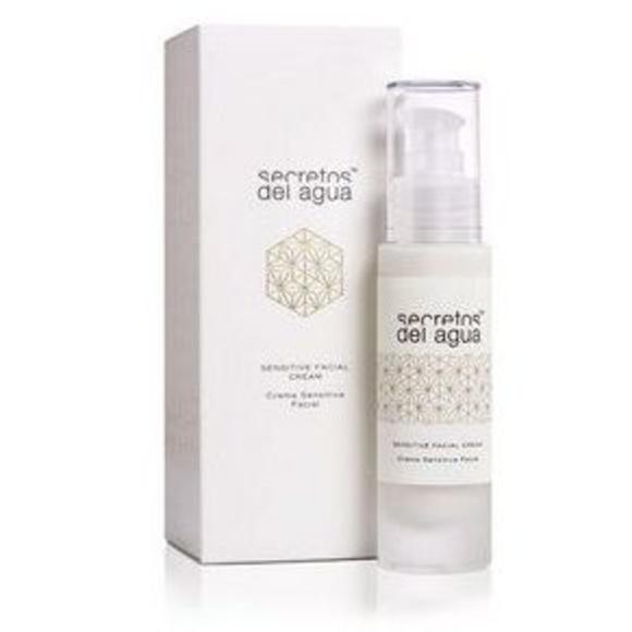 Crema facial sensitiva 50ml: Productos y servicios de Celeste Peluquería