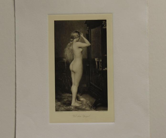Grabado desnudo femenino