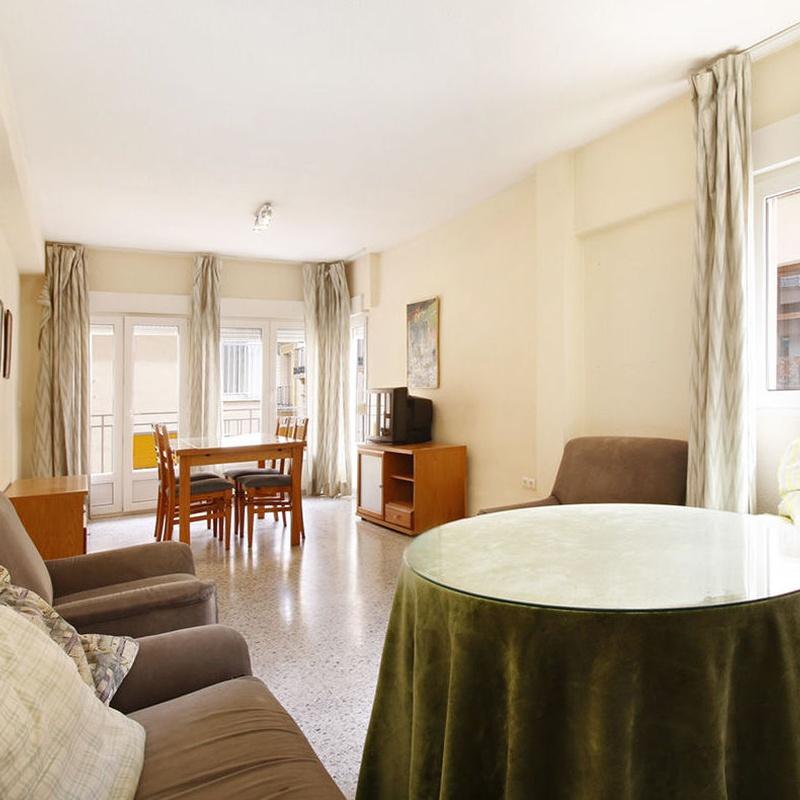 Junto Puentezuelas. Piso amueblado. 3 dormitorios. 2 baños.exterior: Inmuebles de JP Inmobiliaria