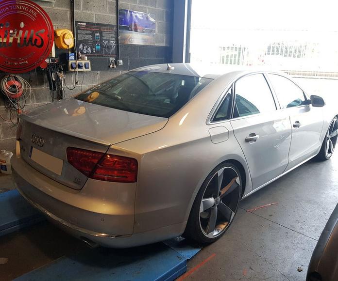 Audi A8 - Llantas y suspensión