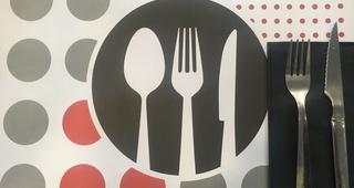 Carta digital: Desayunos, Raciones y Menú del día.