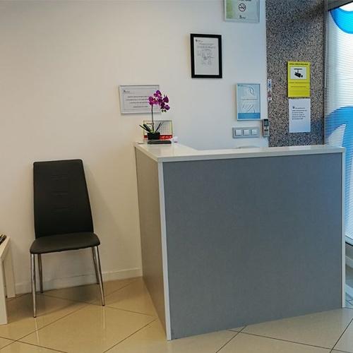 Recepción de la clínica en León