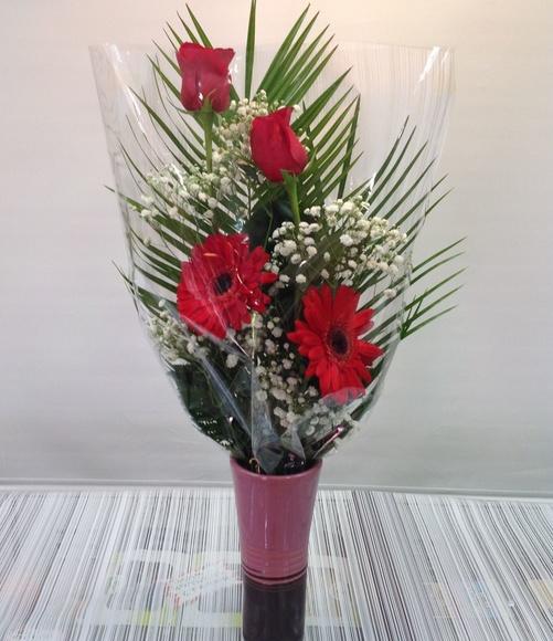 Ramo de 2 rosas:  de Floristería Contreras
