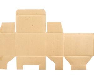 El proceso del troquelado de cartón para crear un envase plegable
