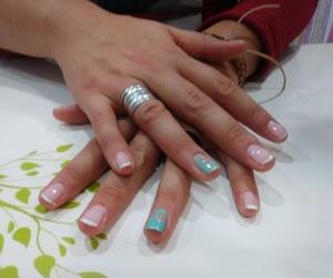 Manicura de uñas en Lebrija
