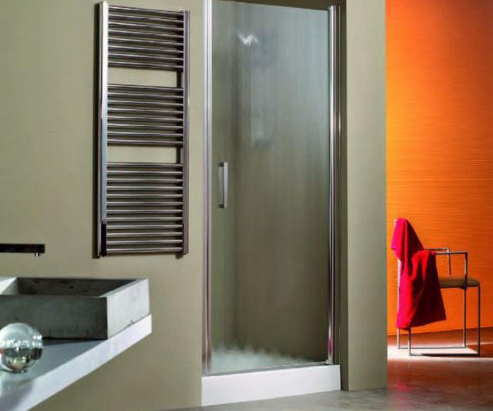 Mampara de ducha con puertas practicables: Productos y servicios de Metal Masa, S.L.