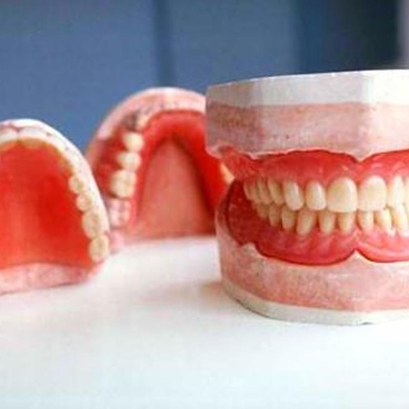 Protesis removible: Tratamientos de Hospident Clínica Dental