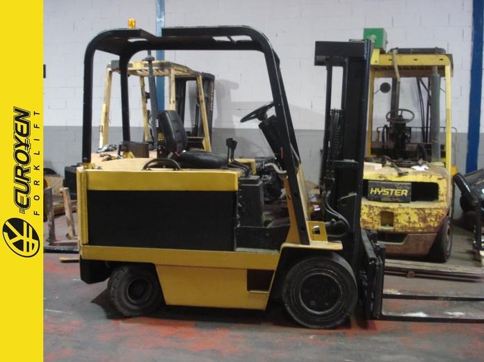 Carretilla diesel CATERPILLAR Nº 2671: Productos y servicios de Comercial Euroyen, S. L.