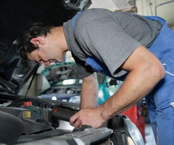 Taller mecánico en Zaragoza de confianza | Talleres Valdespartera