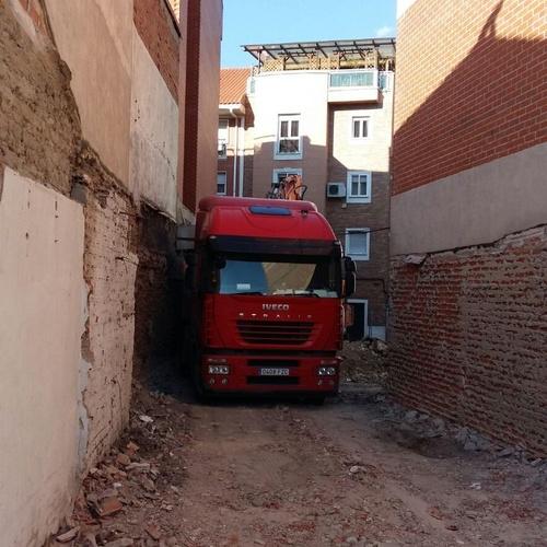 ESPECIALISTAS EN DERRIBOS DE CUALQUIER TIPO EN MADRID Y ALREDEDORES
