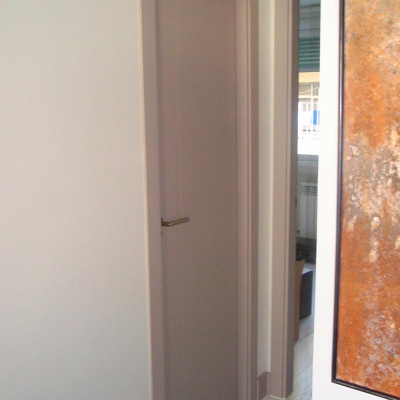 Proyecto Apartamento: Carpintería y ebanistería de Carpintería y Ebanistería Medel