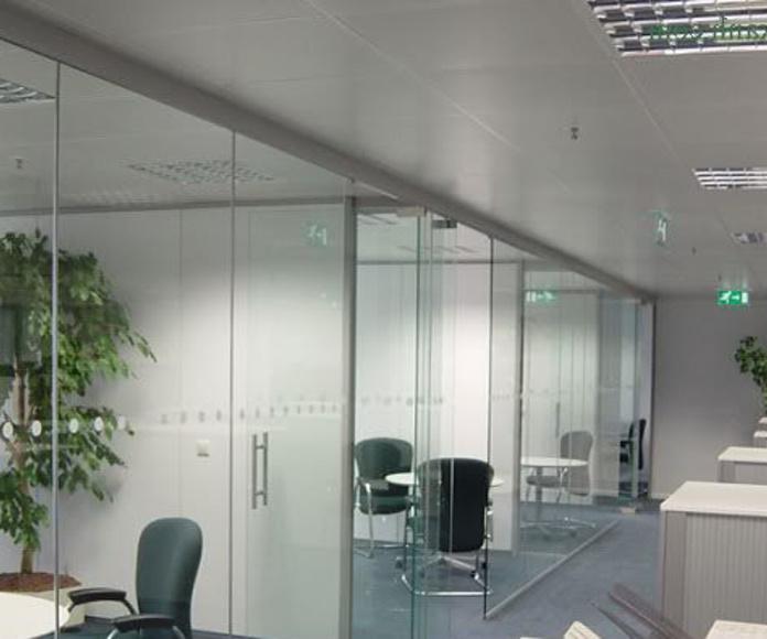 División de interior en cristal despacho