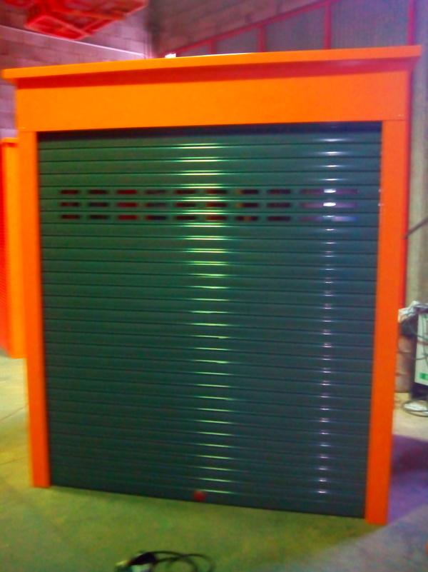 Diseño y fabricación de caseta para guardar máquina expenedora tiquet RENFE: Trabajos realizados de Global Metall, S.C.P.