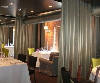 Confección a medida de cortinón en Restaurante Yandiola Bilbao-La Alhondiga