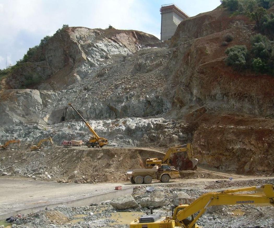Profesionales de la geotecnia: el ingeniero geólogo