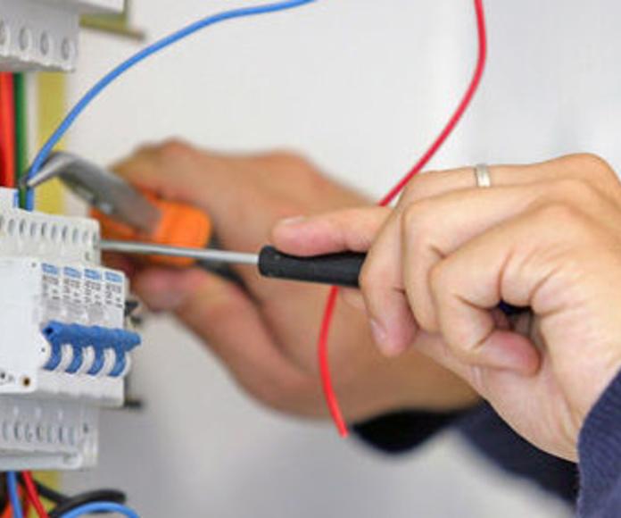 Electricidad: Servicios de Reformas e Instalaciones S.M.D.