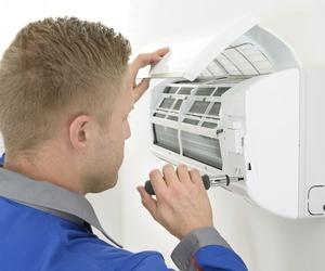 Reparación y mantenimiento de aparatos de aire acondicinado