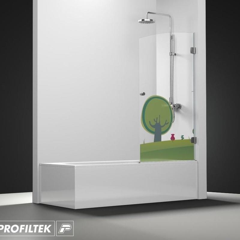 Mampara de baño Profiltek serie Newglass modelo NG-101 decoración Kids