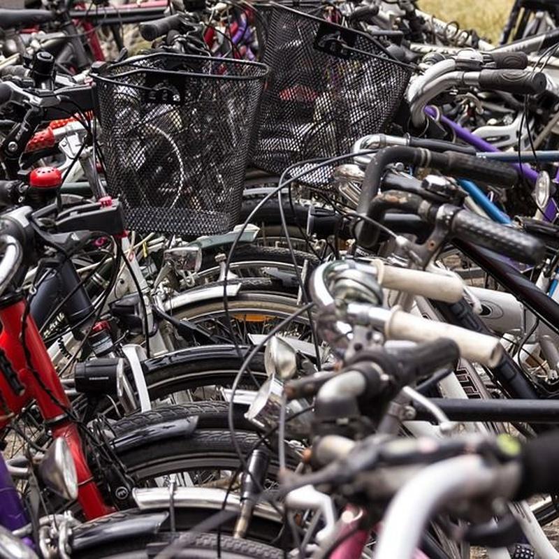 Alquiler plazas bicis: Servicios de Garaje Dávila