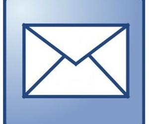 Contacte con nosotros por email