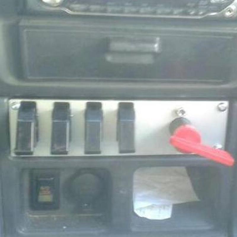 Placa vaciada de aluminio para cuadro de mandos (Automoción)